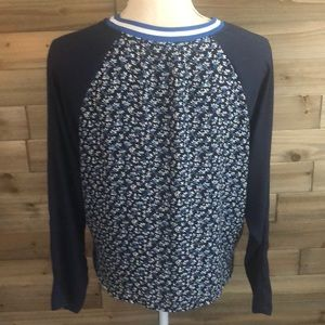 H&M Tops - ❤️ H&M long sleeved baseball blouse Size 4 ❤️